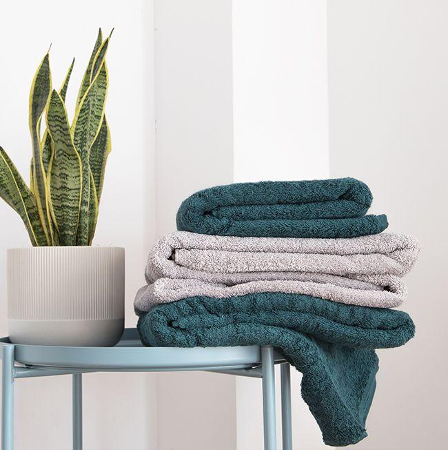 Descubre cómo lavar las toallas y los albornoces de forma correcta
